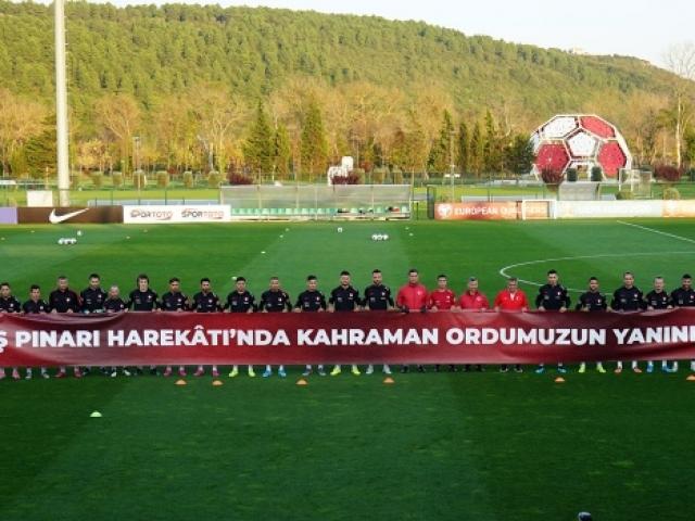 A Milli Futbol Takımından Mehmetçike destek