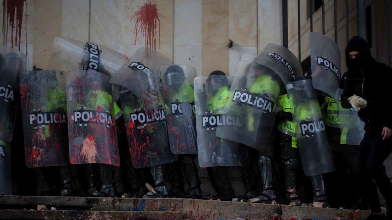 Kolombiyada öğrenci protestosu