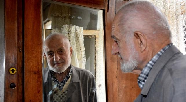 Trabzonun ihtiyar delikanlısı yıllara meydan okuyor