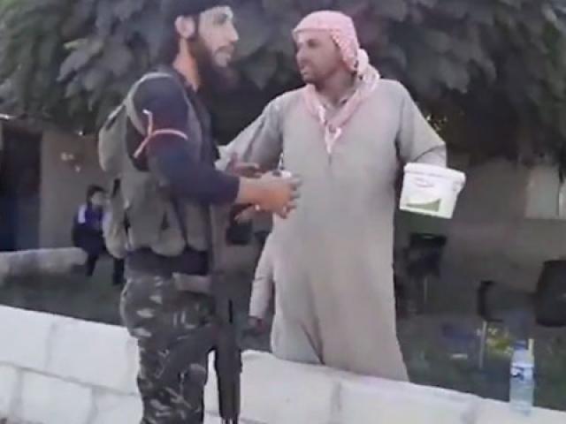 Resulaynda halk, Suriye Milli Ordusu mensuplarını sevinçle karşıladı