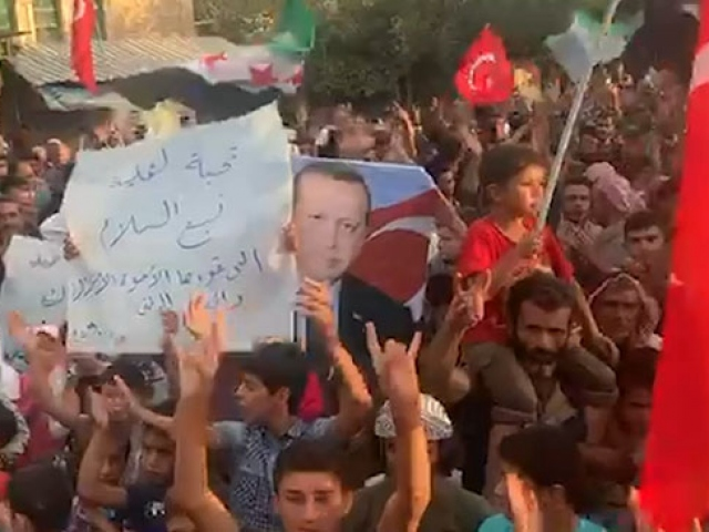 Afrin halkından Barış Pınarı Harekatına destek