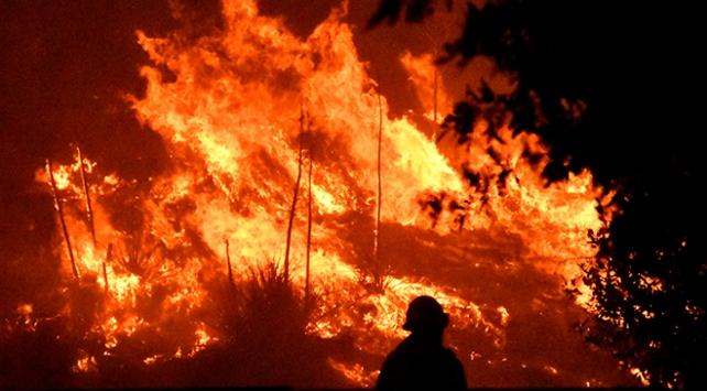 Kaliforniyadaki yangınlar hız kazandı: 100 bin kişiye tahliye emri