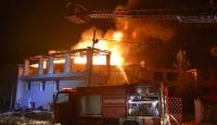 Sinop'ta 4 ev alevlere teslim oldu