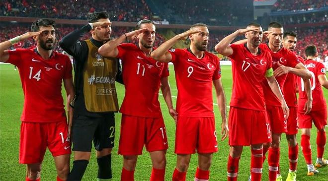 Millilerden Mehmetçiğe selam