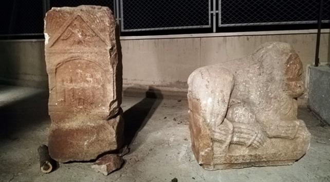 Konyada tarihi eser kaçakçılığı operasyonu: 59 obje ele geçirdi