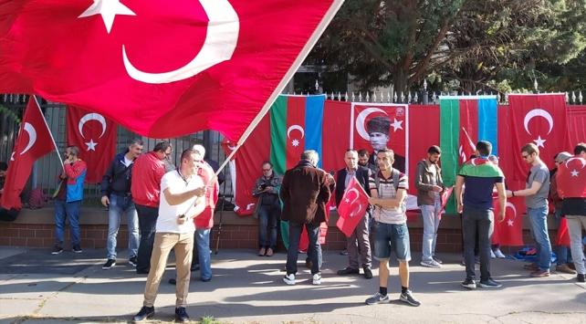 Budapeştede PKK yandaşlarının eylemine Türk vatandaşlarından engel