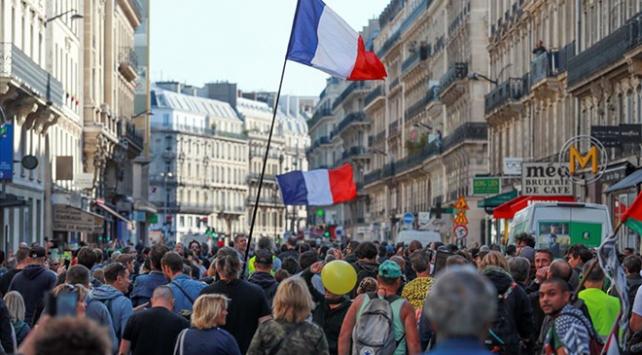 Fransada sarı yeleklilerin gösterileri 48. haftasında: 17 gözaltı