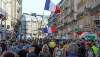 Fransa'da sarı yeleklilerin gösterileri 48. haftasında: 17 gözaltı