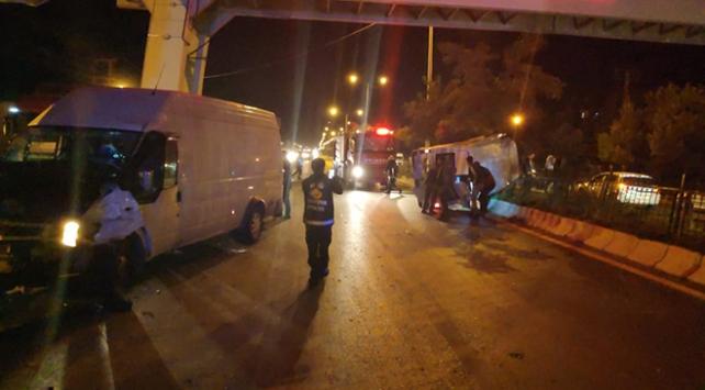 Vanda düğün konvoyunda kaza: 20 yaralı