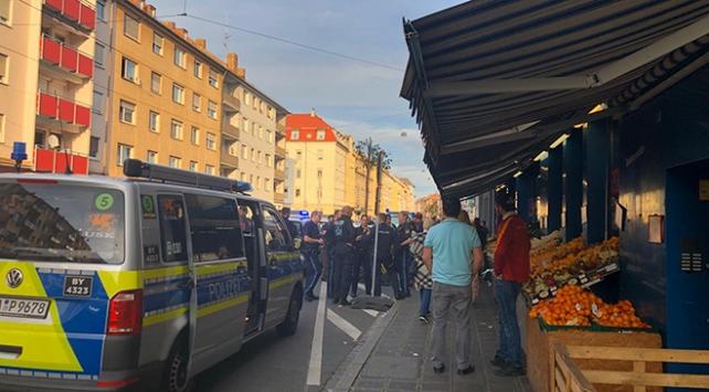Terör örgütü yandaşları Almanyada Türk derneği ve marketine saldırdı