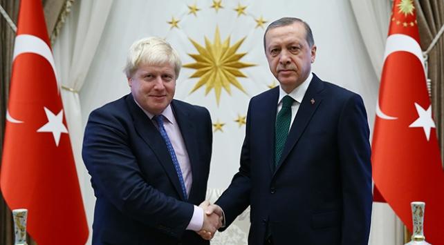 Cumhurbaşkanı Erdoğan, İngiltere Başbakanı Johnson ile telefonda görüştü