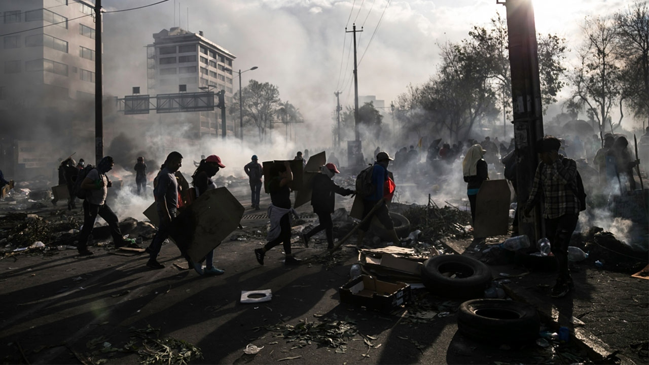 Ekvadorda protestolar sürüyor