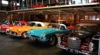 Cakartada nostaljik araba koleksiyonu ilgi çekiyor