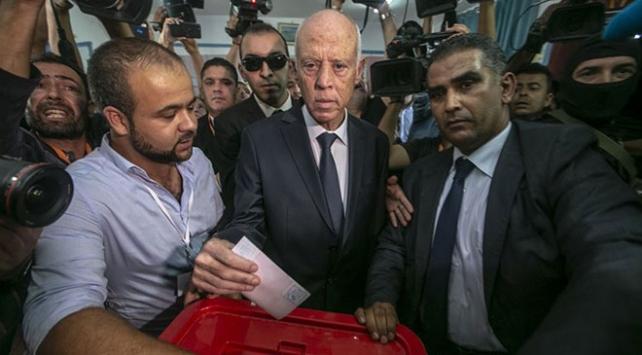 Tunusun yeni cumhurbaşkanı Kays Said oldu