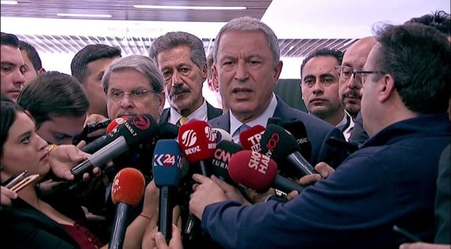 Bakan Akar: YPGlilerin DEAŞlıları kaçırdığını tespit ettik