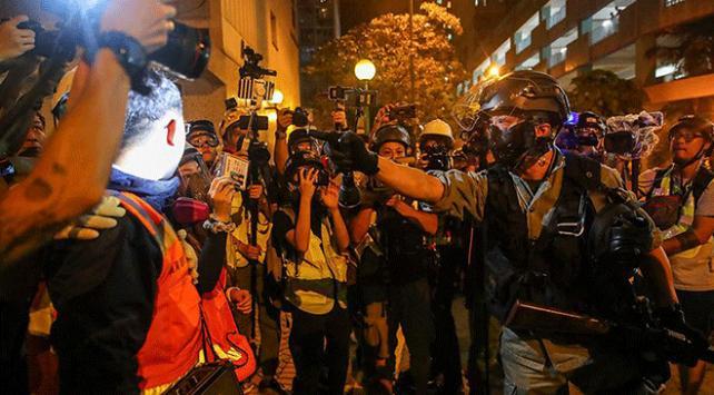 Hong Kongda protestolarda uzaktan kumandalı patlayıcı kullanıldı