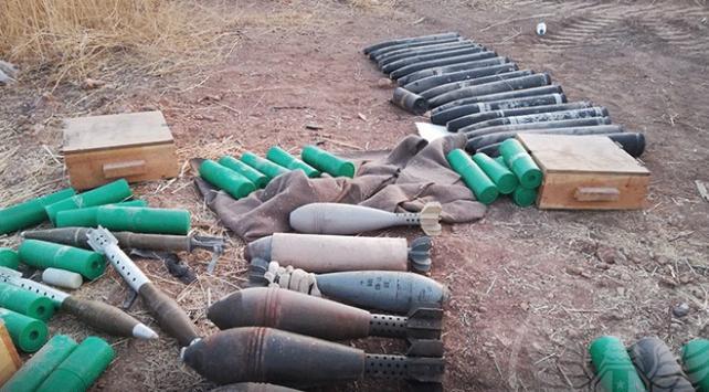 Tel Abyadda çok sayıda silah ve mühimmat ele geçirildi