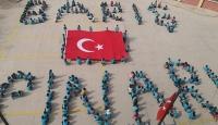 Gaziantep'te ilkokul öğrencilerinden Barış Pınarı koreografisi