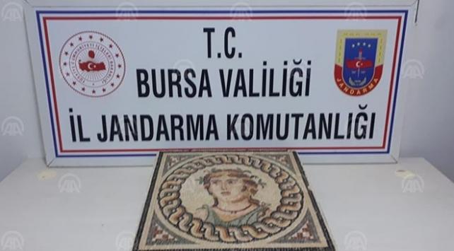Bursada 2 bin yıllık mozaik tablo ele geçirildi