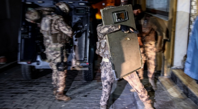 İstanbulda 5 ilçede uyuşturucu operasyonu