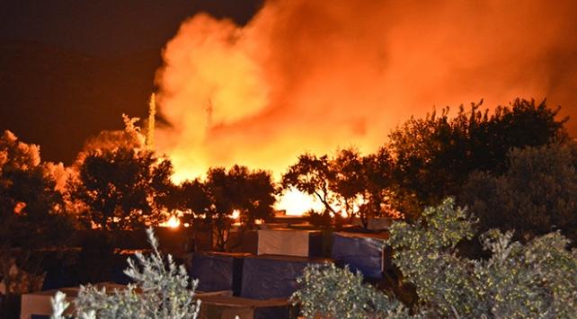 Sisam Adasındaki mülteci kampında yangın