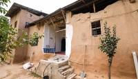 Darende'de 215 yıllık kerpiç ev zamana direniyor