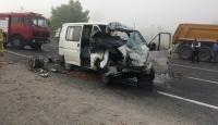 Bursa'da minibüs ile tır çarpıştı: 1 ölü, 2 yaralı
