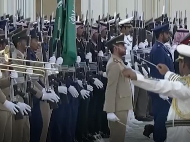 Suudi kraliyet bandosunun Rus milli marşı çabası fiyaskoyla sonuçlandı