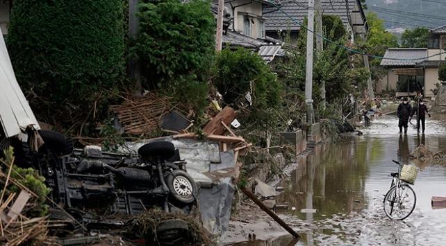 Japonyada fırtınadan kaçan evsizler barınağa alınmadı