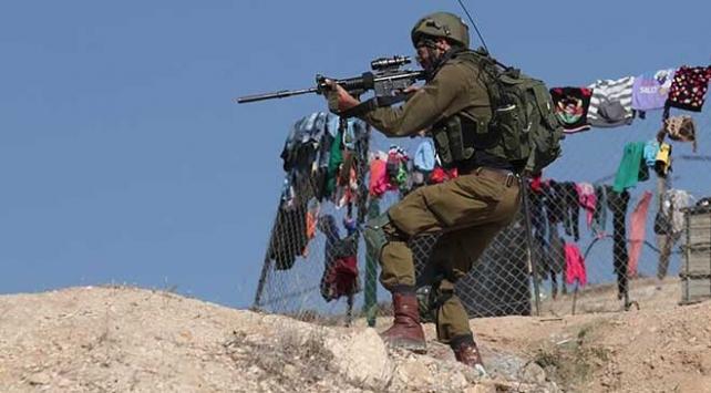 İsrailin namluları Gazzede atık toplayan işçileri hedef aldı