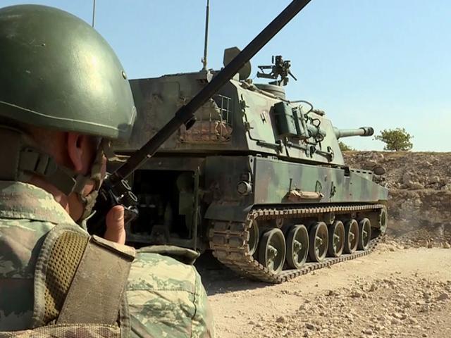 Barış Pınarı Harekatı'nda obüsler terör hedeflerini böyle vuruyor