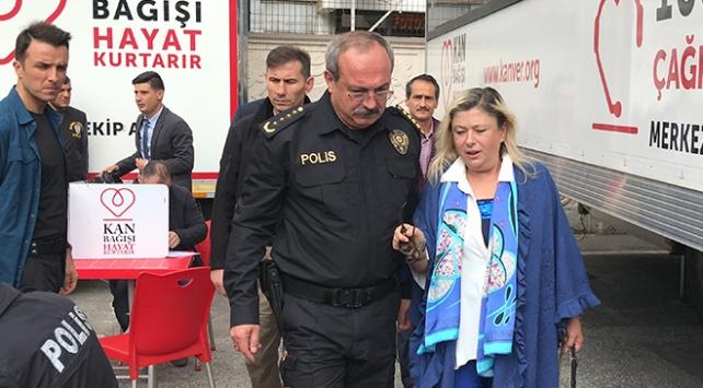 Polisler, Mehmetçik için kan bağışında bulundu