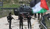 İsrail askerleri Nablus'ta 3 Filistinliyi yaraladı