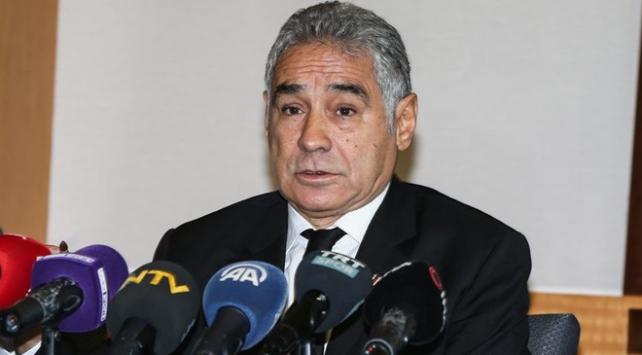 Beşiktaşta İsmail Ünal başkan adaylığından çekildi