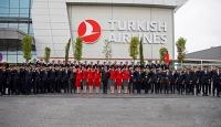 THY'nin pilot ve kabin memurlarından Mehmetçiğe asker selamı