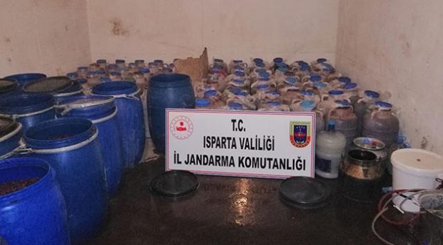 Ispartada kaçak içki operasyonu: 5 gözaltı