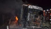 İstanbul'da seyir halindeki kamyonda yangın