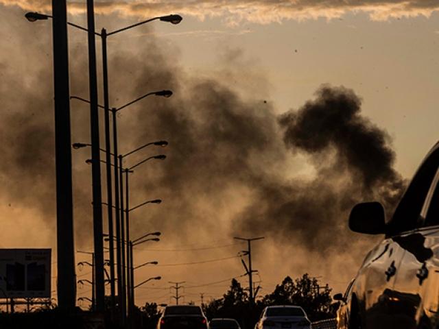 Kartel üyeleri Meksika sokaklarını savaş alanına çevirdi