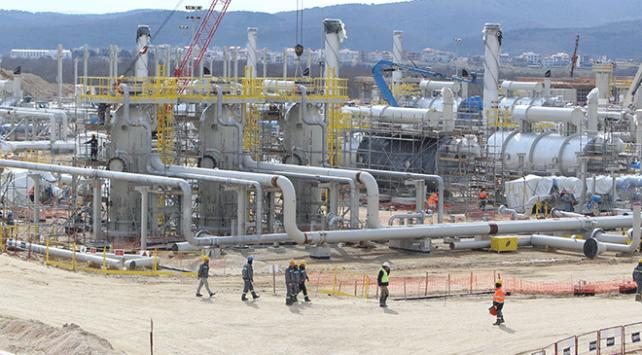 TürkAkımda deniz geçiş hatlarından ilki doğal gazla dolduruluyor