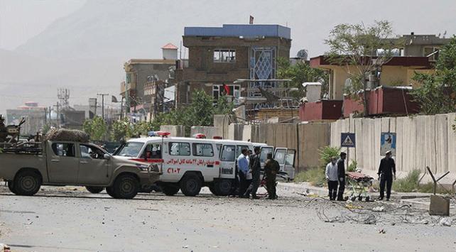 Afganistanda camiye bombalı saldırı: 63 ölü