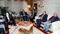 Cumhurbaşkanı Yardımcısı Oktay'dan MHP'li Yalçın'a taziye ziyareti