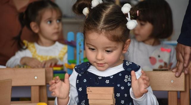 Köy çocuklarının oyuncak kütüphanesi