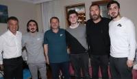 Ahmet Ağaoğlu'ndan Abdülkadir Ömür'e ziyaret