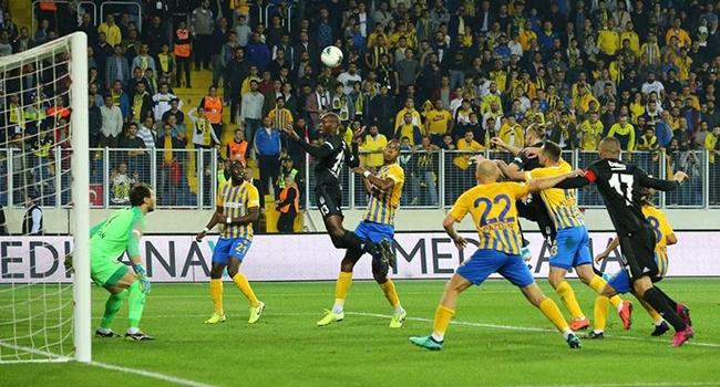 Beşiktaş Ankara'da fırsat tepti