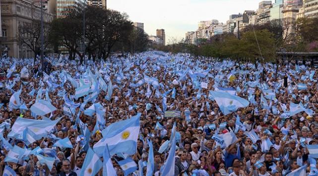 """Arjantinde """"Milyonun yürüyüşü"""" etkinliği düzenlendi"""