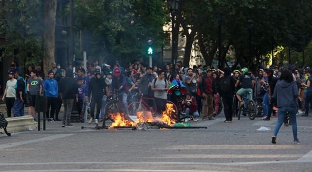 Şili'deki protestolarda ölenlerin sayısı 8'e yükseldi