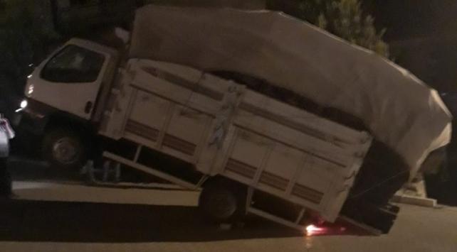 Antalyada kamyonet şaha kalktı