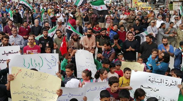 Münbiçliler Esed rejimini protesto etti