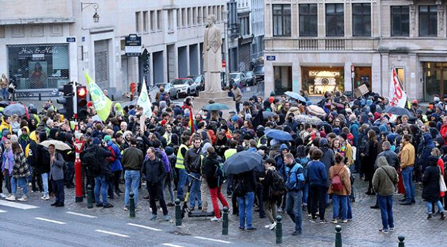 Belçikada polis şiddeti protestosu