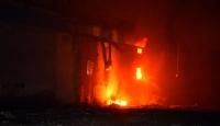 Adana'da plastik ve geri dönüşüm fabrikasında yangın